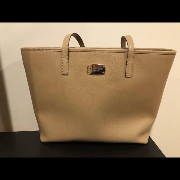 Michael Kors Handbags - Michael Kors Tote